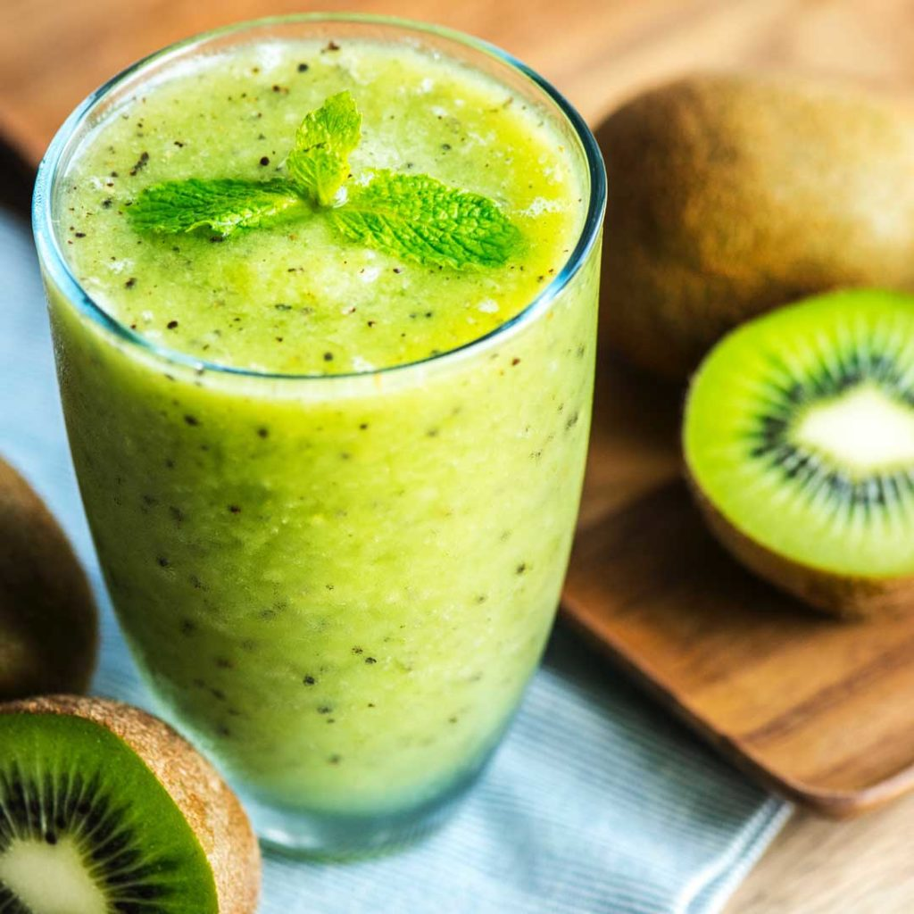 Green-Smoothie_Kiwi_Smoothie-Solutions